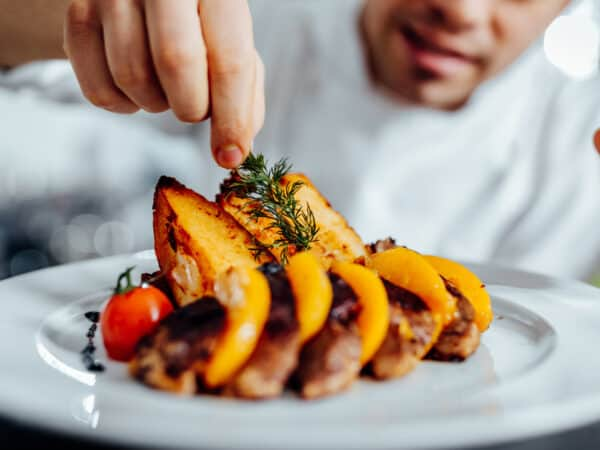 Book a professional chef at home: all the benefits