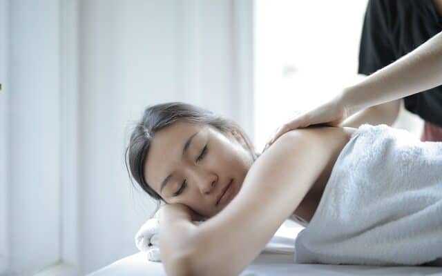 3 incredible reasons why our massage therapists are so famous
