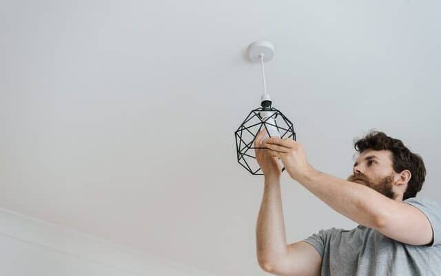 Electricians: 7 important signs that you need to hire a professional