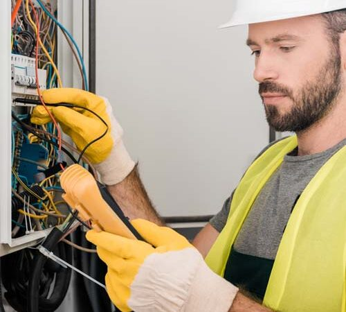 Certified Electricians: 10 reasons why you need them.